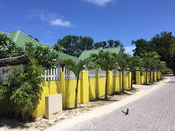 La Digue - Beautiful coloured houses